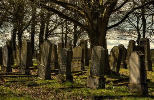 jewish-cemetery-1097409_1280